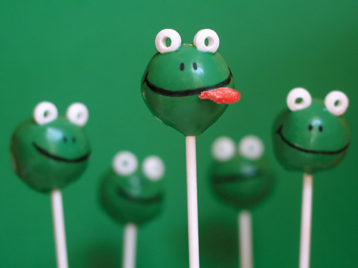 Little Bird Tell: Cute Cake Pops from Bakerella