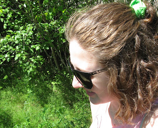 rayban cats 1000 trees vegetation scrunchie curly brown hair @Through the Wilderness