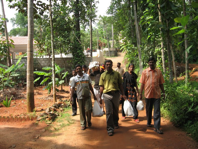 March to Thommankuthu with food at Manakkadu