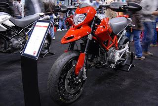 Ducati Hypermotard 796 monster 2010 jpg