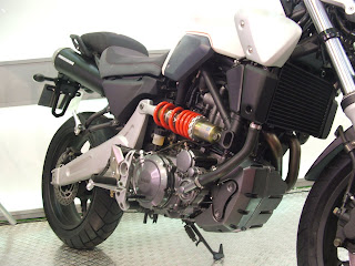 Streetfighter motorcycle from YAMAHA show Type R6