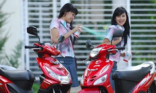 Hot girl honda beat-yamaha mio MOTOR
