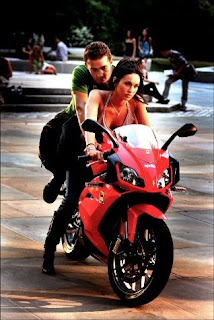aprillia motor hot girl