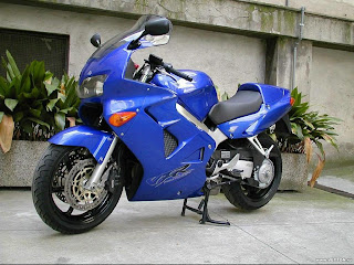 Honda VFR blue wallpapper
