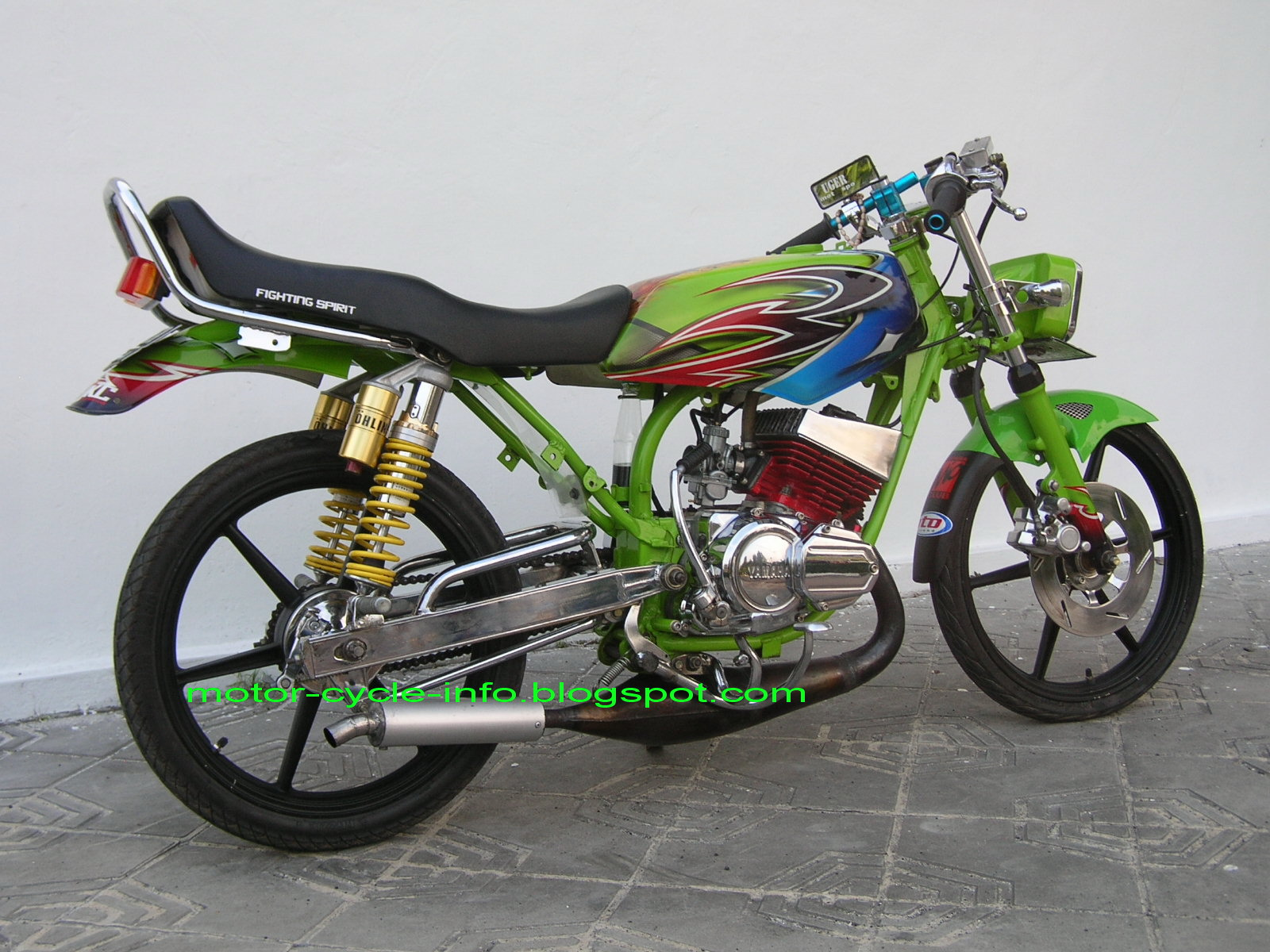 foto gallery luxury motor cycle of yamaha rx king, streetfighter t title=
