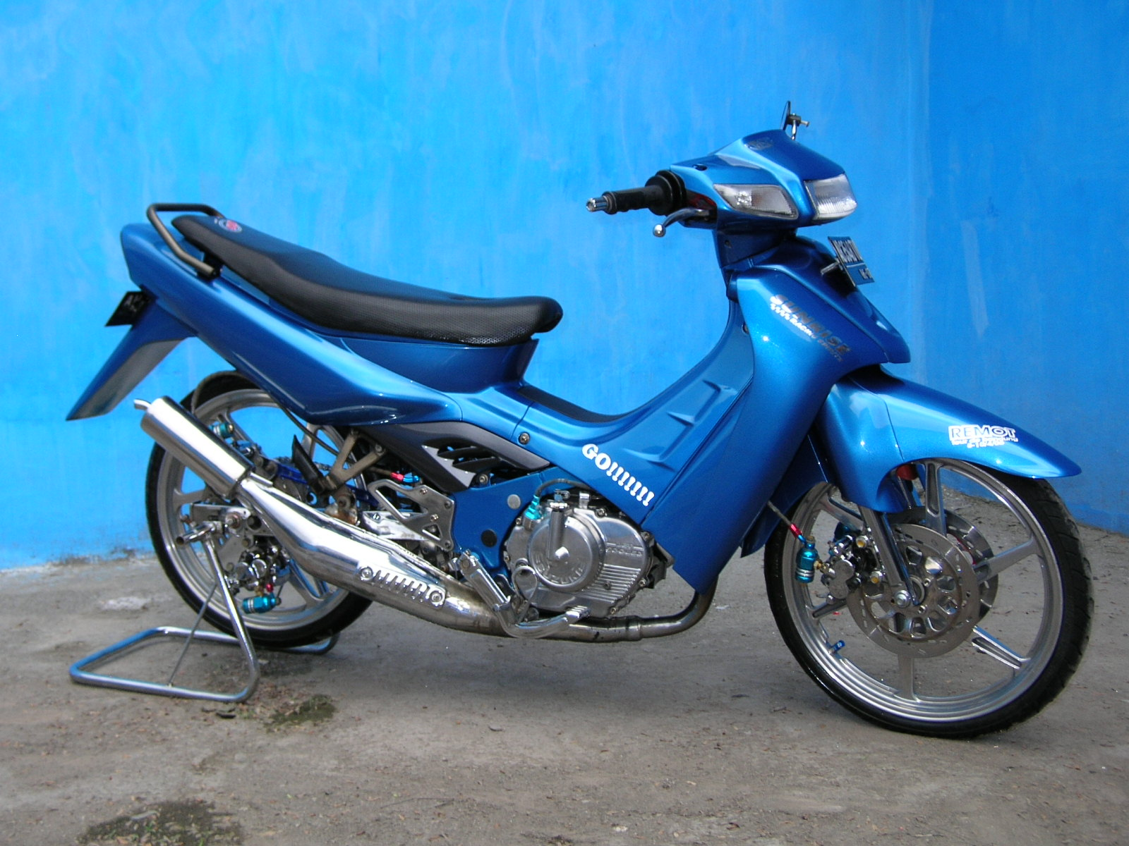 modif suzuki satria blue color airbrush  motor modif contest  trend