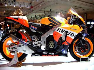 2010 Honda RC212V show