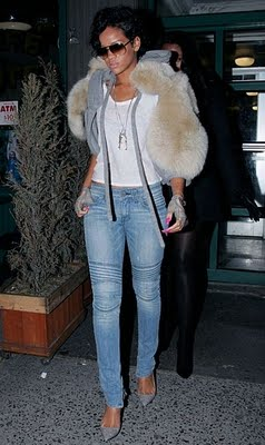 [Rihanna+in+vintage+1]