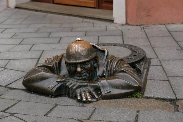 Памятники в Братиславе
