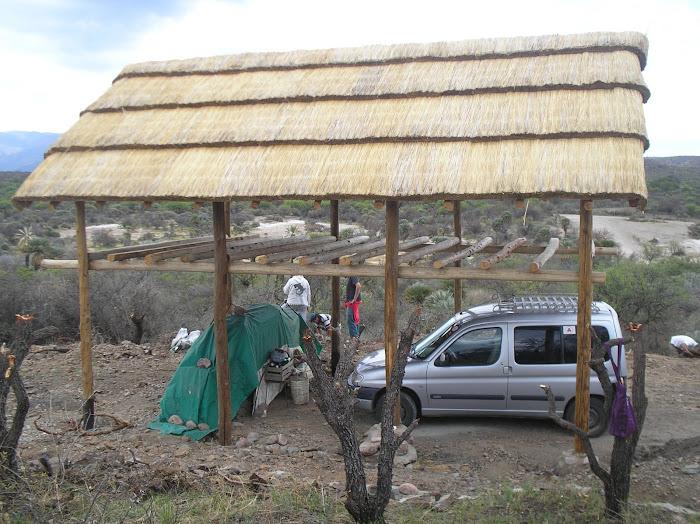 Quincho:Construccion en madera y adobe