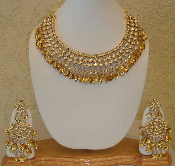 A WEDDING PLANNER Kundan jewellery designs