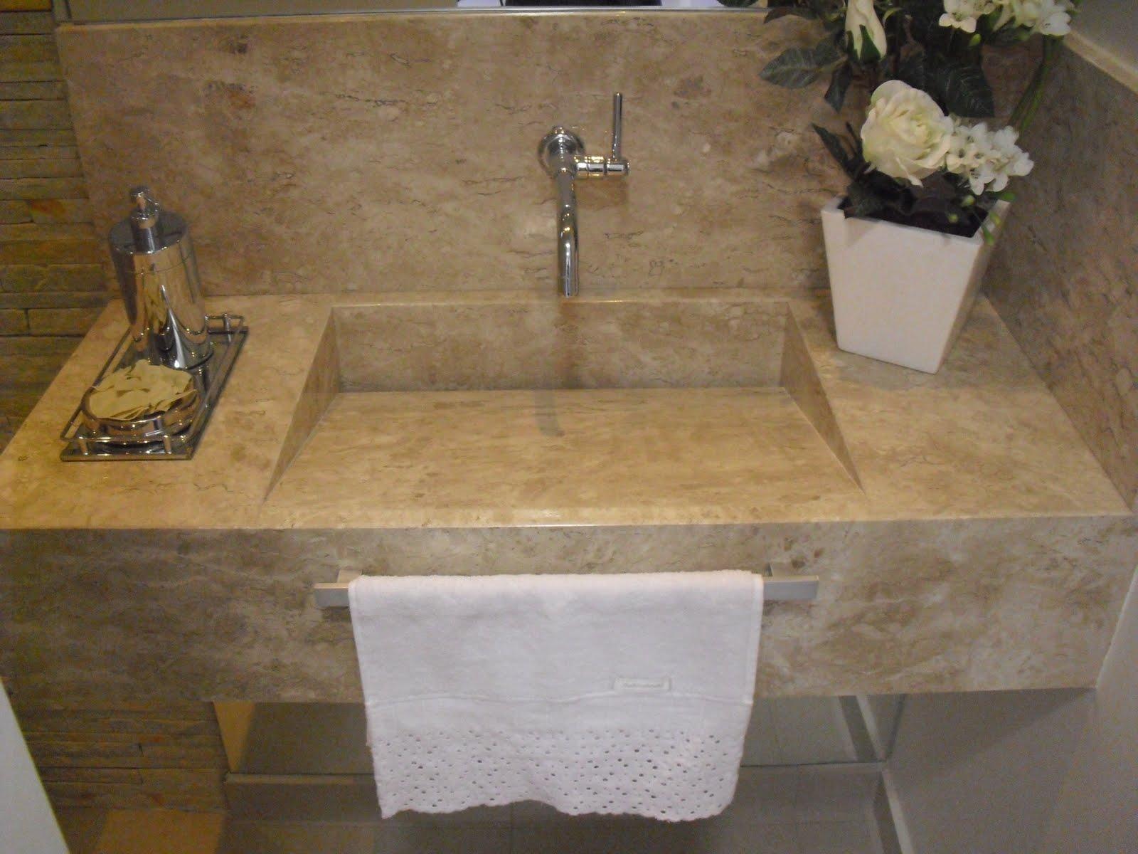 lavabo recebeu bancada com cuba em mármore da Dimarmo e metais  #8C6C3F 1600x1200