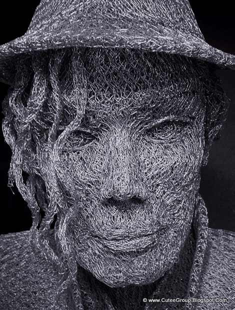 Chicken wire sculptures the world of fun cutee group for Chicken wire art