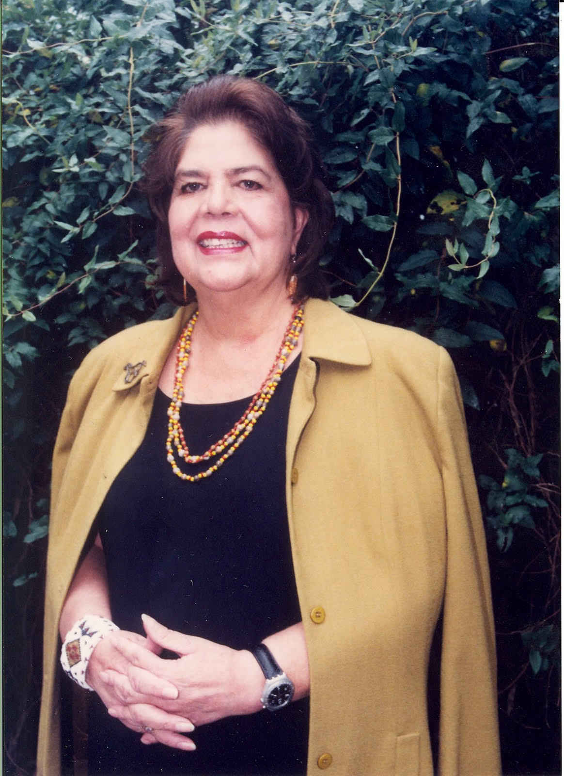 biography of wilma mankiller essay Wilma mankiller is a former chief of the cherokee people who died in 2010 in this book, she weaves her own biography into a larger history of the cherokee people while starting each chapter with short excerpts that are related to the creation myths and values of the cherokee people.