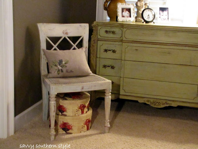 Savvy Southern Style New Old Frenchy Shabby Chair