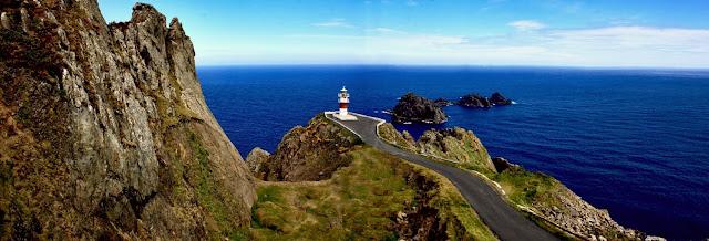 El faro del Cabo Ortegal, el centro del mundo, paisajes de españa verde, paisajes de galicia, paisajes del norte de españa, escapadas para niños hotel A Vía Láctea