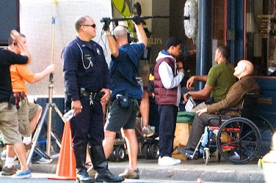 As promised we have a new image from yesterday Episode 5x06 - Set Pic of Walt and Locke