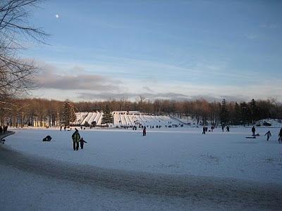 Voyages bergeron les plus belles patinoires du qu bec for Patinoire exterieur montreal