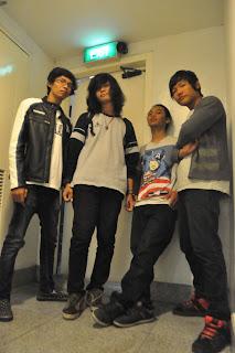 AUSSIE band indie Surabaya