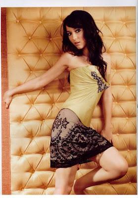Foto Sexy dan Hot Julie Estelle saat pose menjadi foto model