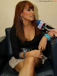 Foto Hot Pinkan Mambo Saat Wawancara