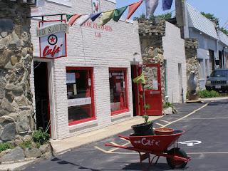 Rhode Island Reds Café