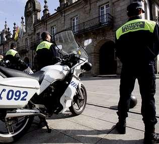 Los bomberos y la Policía Local de Lugo contaron en su día con desfibriladores