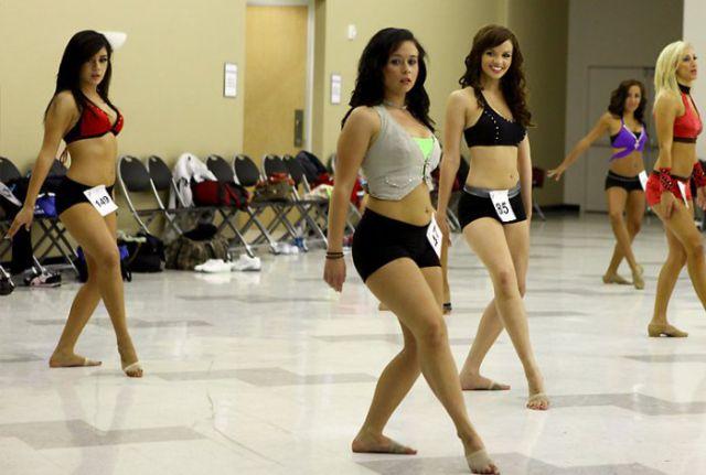 Hot Fresh Pics: Hot Cheerleader Tryouts