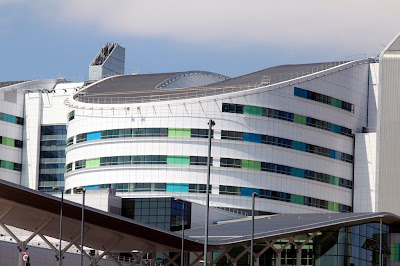 The new Queen Elizabeth Hospital (England)