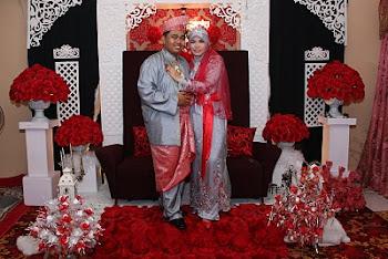 Warna busana yang mengikut tema adalah hasil ilham Asyiqs Bridal Catering And Canopy.