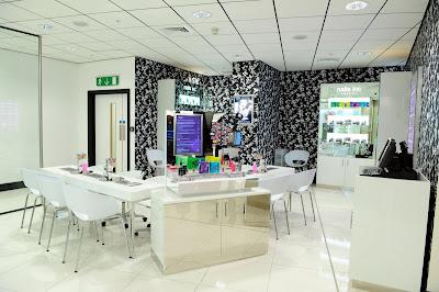 nails bar beauty club pamper