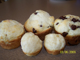 100 16015B15D - Cream Cheese Muffins