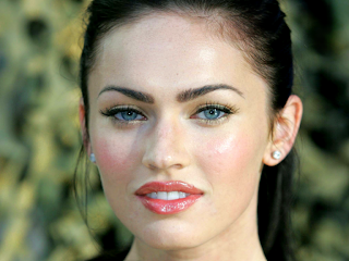 Beautiful Megan Fox Blue Eyes Natural Look Make Up Wallpaper