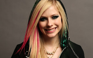 Avril Lavigne with Black Hood HD Wallpaper