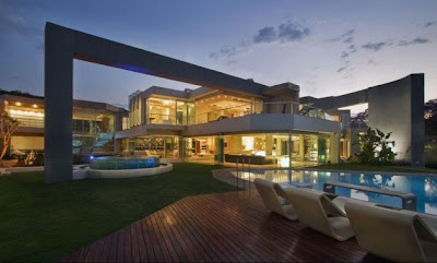 Gran residencia Glass House