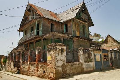 Fachadas de una casa en Haiti - Imagen de www.visualgeography.com