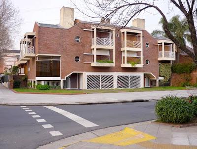 Edificio bajo residencial