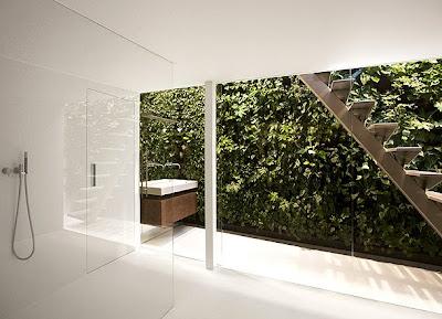 Baño pared vidrio sin marco