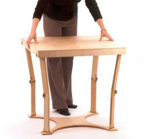 Arquitectura de casas mesa plegable auxiliar en madera for Diseno de mesas plegables