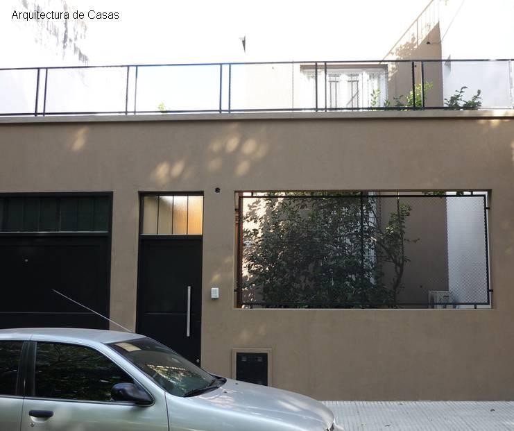 Arquitectura de casas casa nueva moderna de una vieja for Fachadas de casas de barrio