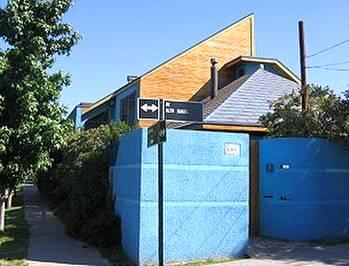 Casa de arquitectura Posmoderna y equipamiento inteligente en Chile