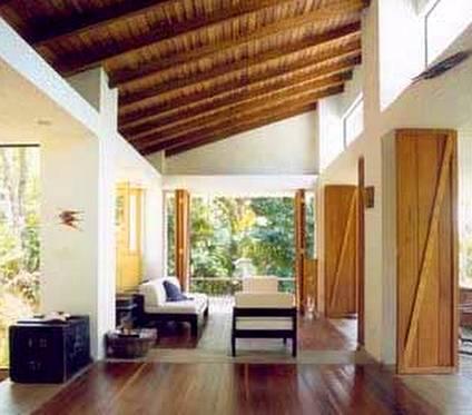 Vista interior de casa rústica vacacional en San Pablo, Brasil