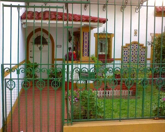 Entrada a casa en Buenos Aires estilo español