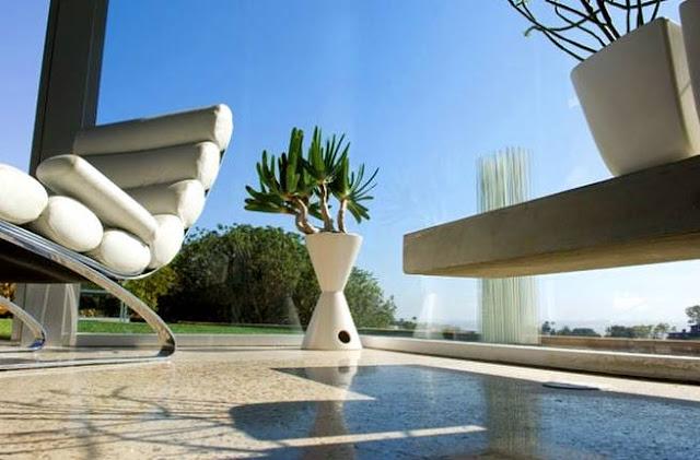 Detalle de diseño interior en residencia californiana contemporánea