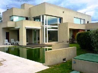 Casa con nuevos materiales de construcción