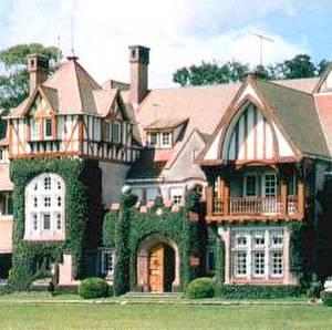 Foto de la entrada a la mansión casco de estancia Villa María en la provincia de Buenos Aires