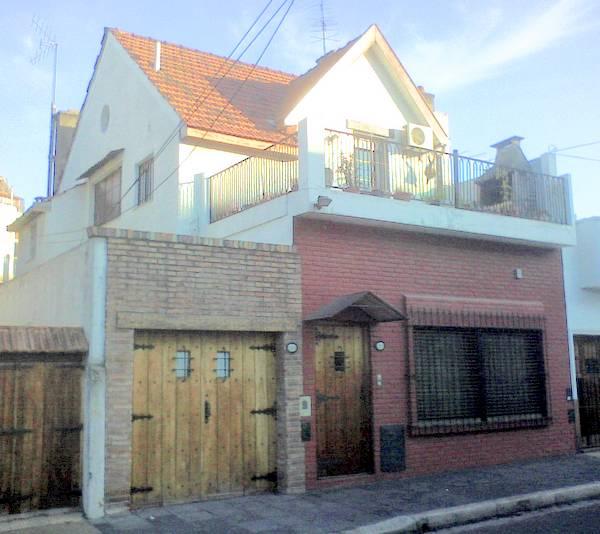 Chalet estilo Inglés modernizado en un barrio porteño