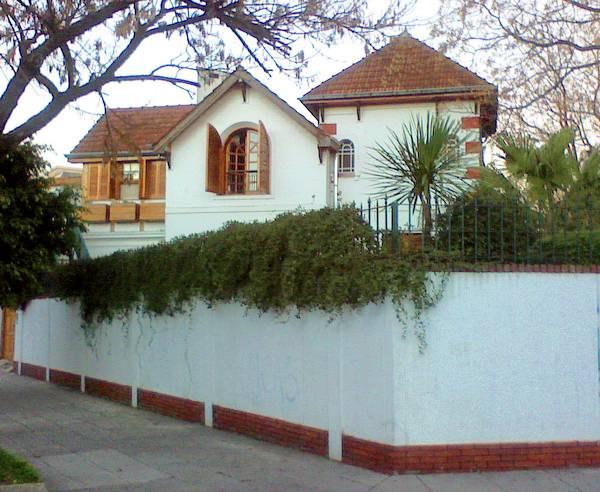 Casa chalé estilo inglés con reformas modernas