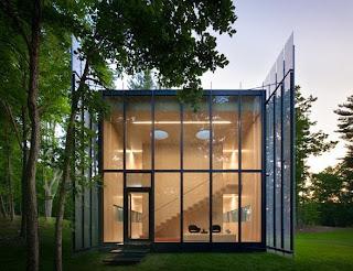 Casa metálica abertura lateral