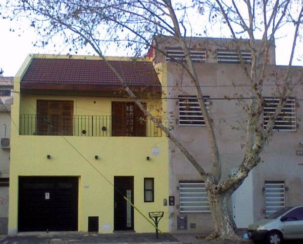 Arquitectura De Casas Fachada Sencilla De Tono Amarillo